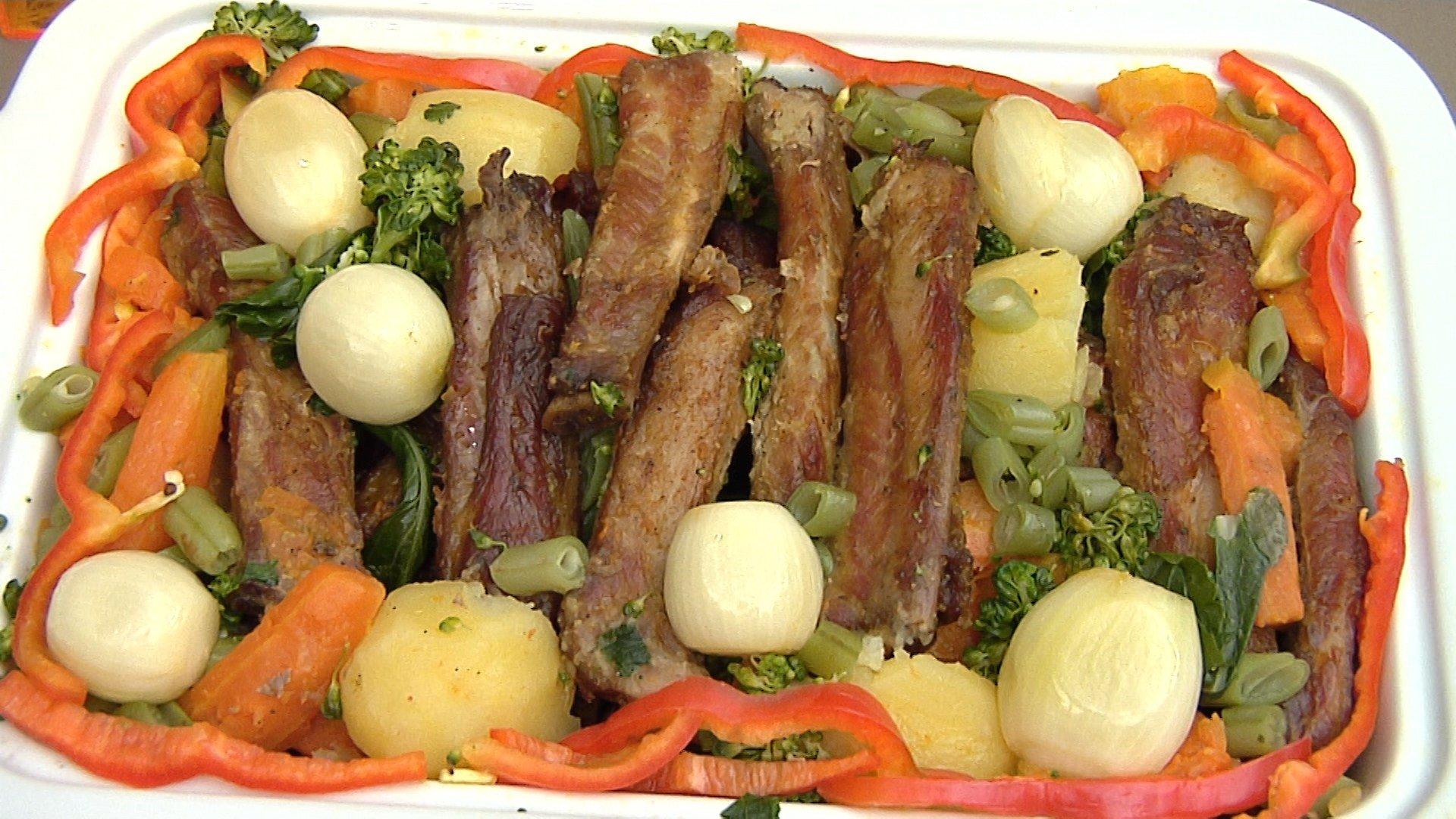 Costelinha de Porco ao Molho de Laranja com Legumes